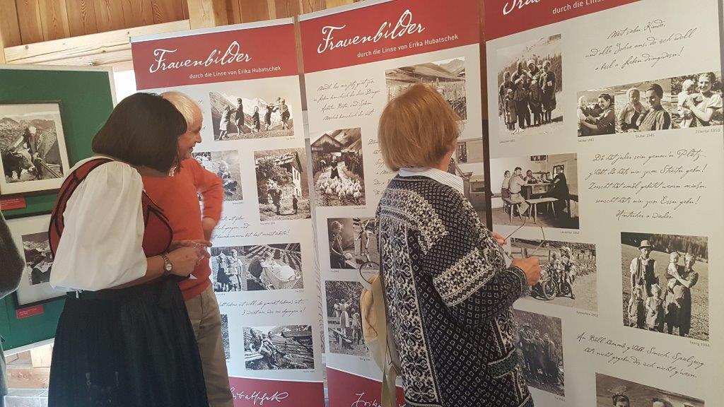 """Ausstellung """"Frauen aus dem Lungau, aus Tirol und Kärnten""""   Edition Hubatschek"""
